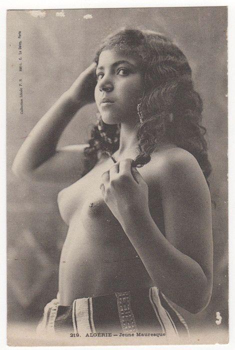 Question Algerian women nude right!