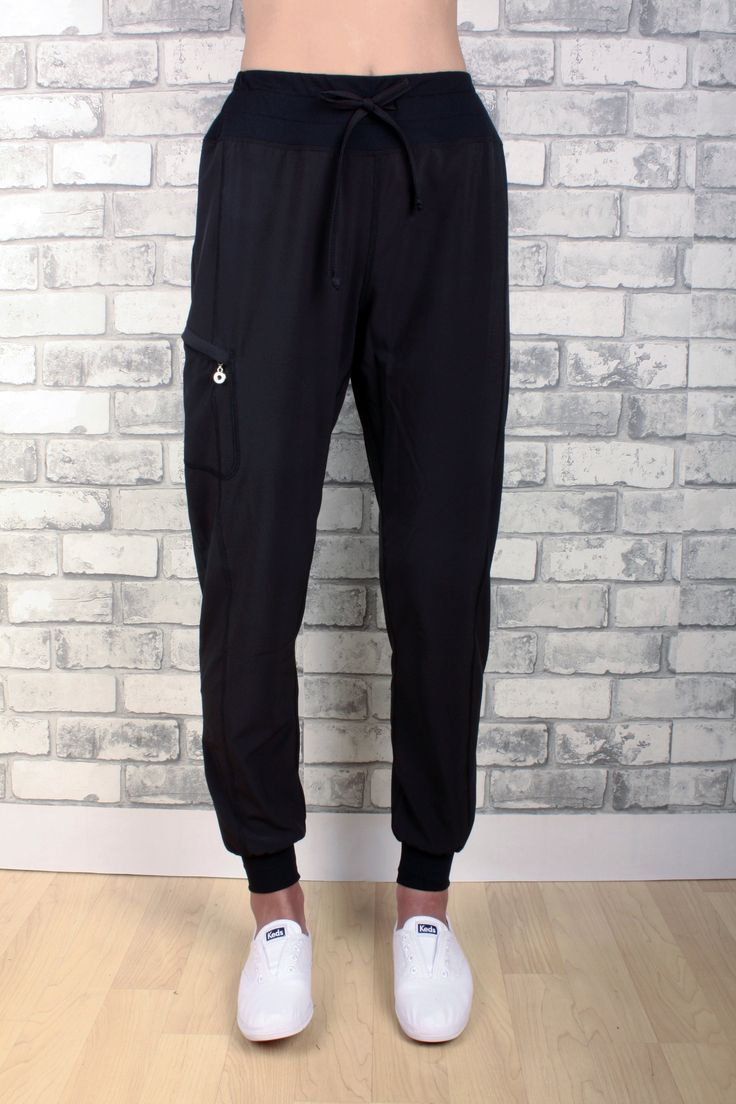 Stella light weight cuffeed bottom pant with drawstring and zippered pocket
