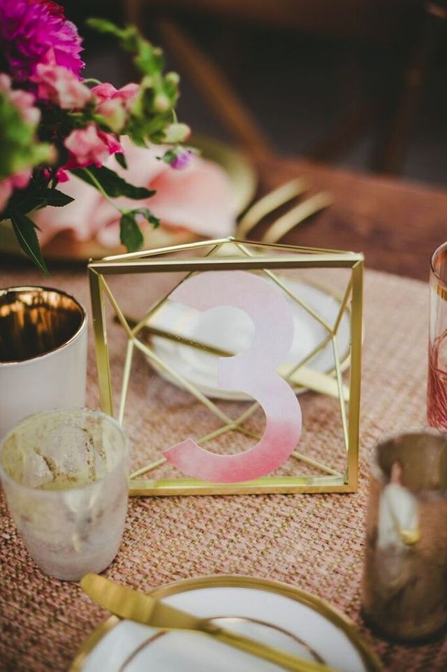 14 Geometric Wedding Table Decor Ideas