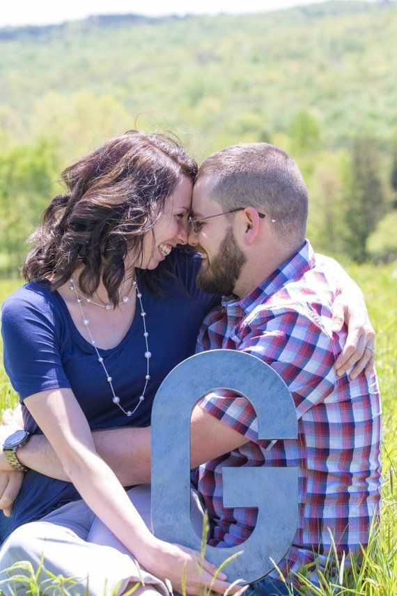 Engagement Photos – Rustic Photo Props – Couples Photos – Wedding Picture Props – Rustic Wedding Props – Props for Wedding Photography – Products