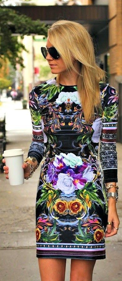 Short floral printed dress | In. Love. With. This. Dress. I've never wanted to wear Grandma's curtains more than on this dress.