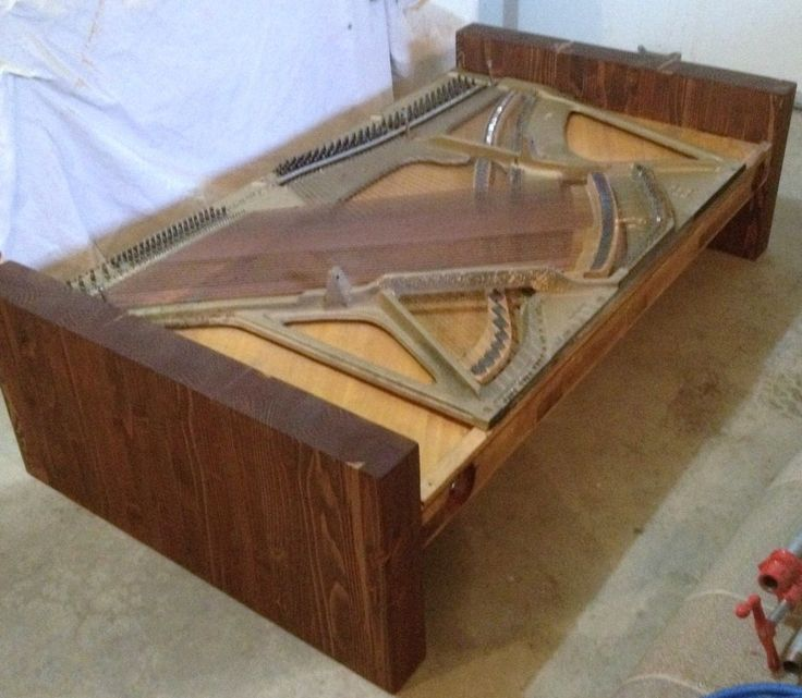 Vintage Piano Harp Table (w/o Glass) Reign City