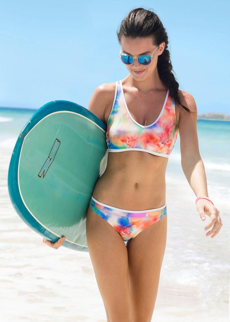 Surfbrett unter den Arm, Sonnenbrille aufgesetzt und ab an den Strand! Mit diesem stylishen Bikini bist du der Hingucker!