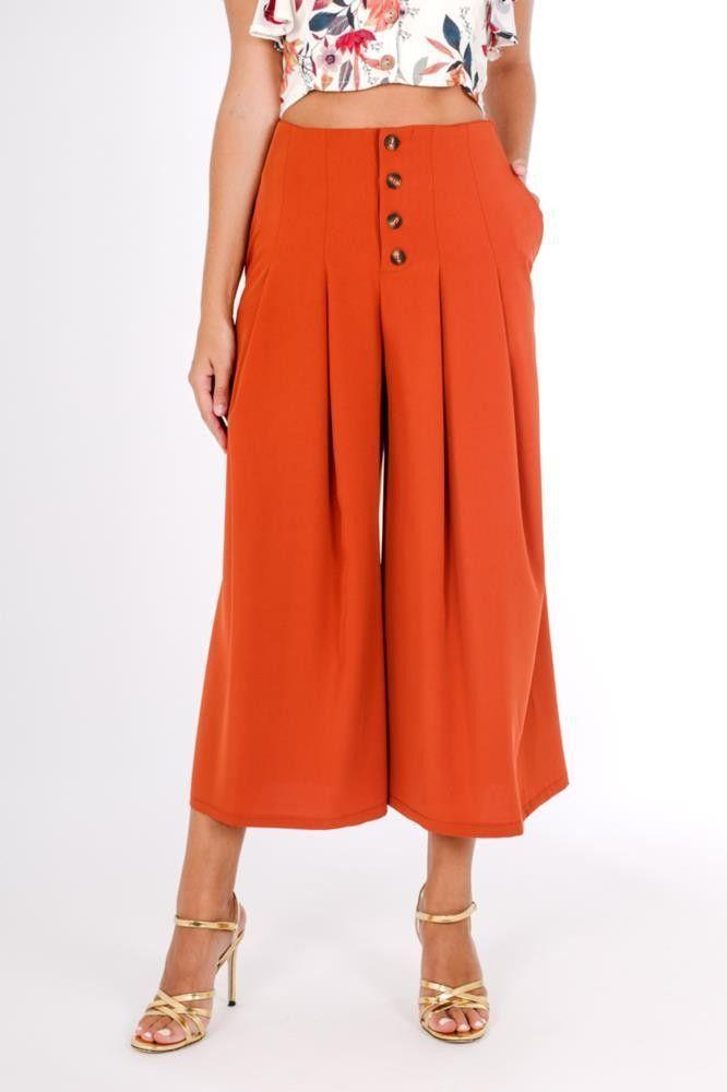 Pantalon culotte de corte midi en colores lisos con botones disponible en  color morado d8950bb3a1b6