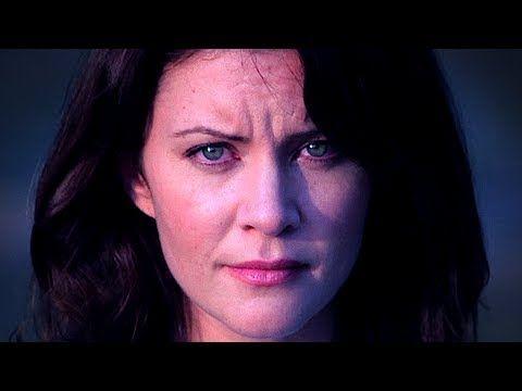 La Llorona era una mujer que tenía varios hijos. Se dio cuenta de que su marido tenía una aventura con otra mujer. Fuera de la ira y la venganza que ella ahogó a sus hijos en un río, después de hacerlo, se dio cuenta el impacto de sus acciones, ahora ella llora por sus hijos en el río.