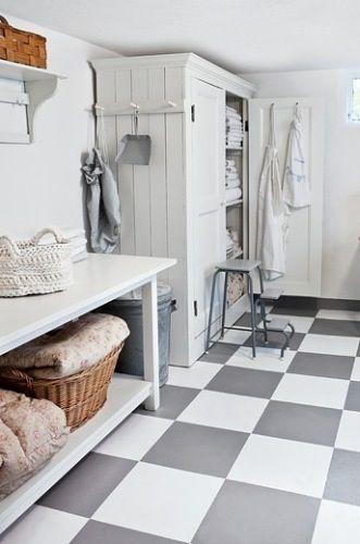 Shabby Laundry Room...love the floor!