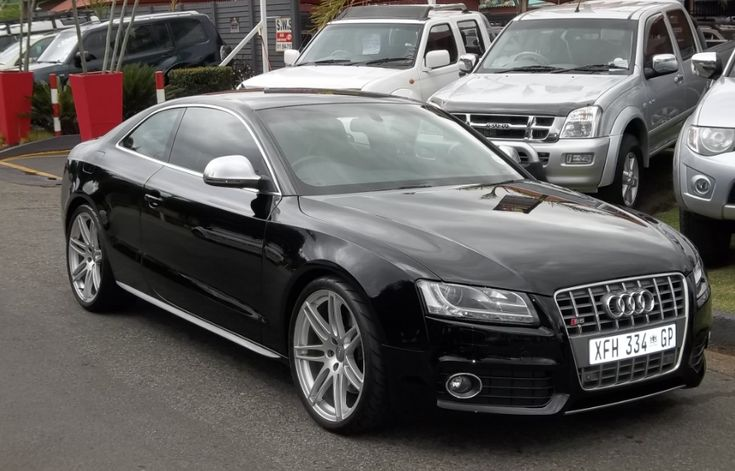 2008 Audi A5/S5 Owners Manual –The Audi A5 and the performance-concentrated Audi S5 are Audi's first mid-size coupes in more than a ten years, higher than the TT that provides a token rear seat only in coupe type. The A5 is created on a new framework that also varieties the basis ...