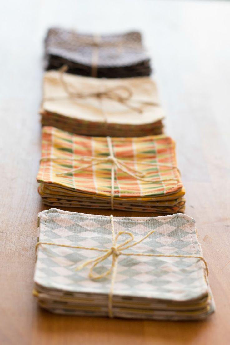 De puntadas y otros enredos: Posavasos de tela (regalo para las profes)