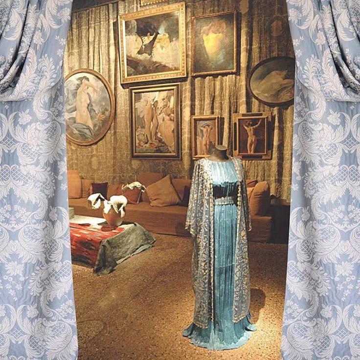 Corsovenezia#castellodelbarro#silk#wool#naturalcolors#naturalfibers#curtainsdesign#