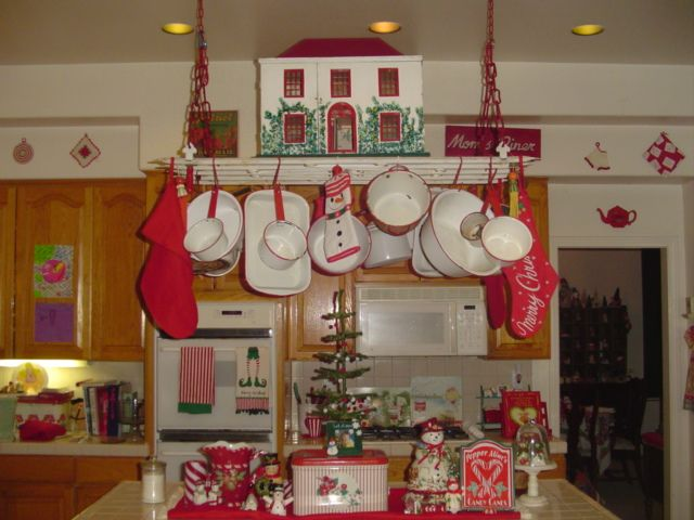 Great vintage christmas kitchen.