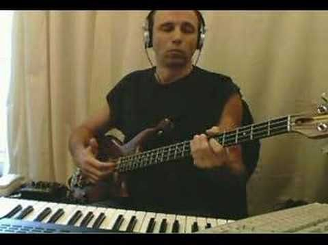 Out of sight, out of mind - Level 42 (bass play-along)
