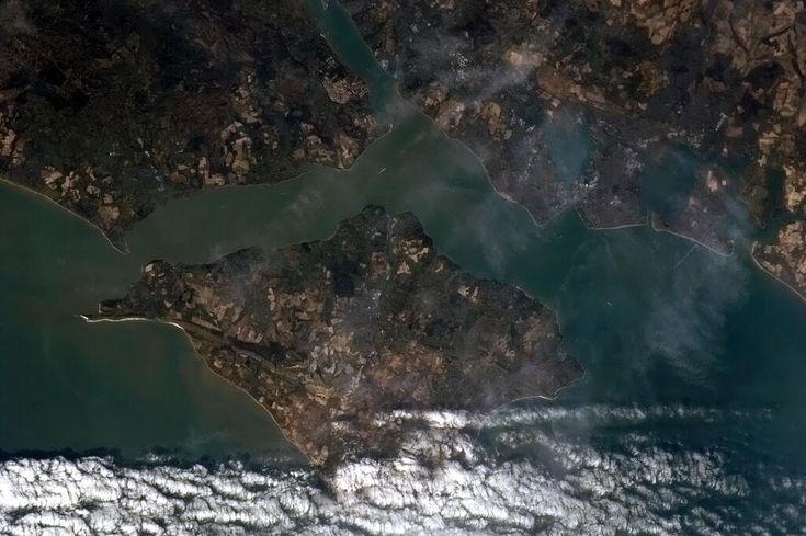 Twitter / Cmdr_Hadfield: The Isle of Wight looks like ...