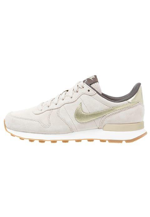 Ein wirklich wunderbares Exemplar von Sneaker. Nike Sportswear INTERNATIONALIST PREMIUM - Sneaker low - string/metallic gold grain/dark storm für 75,95 € (19.02.17) versandkostenfrei bei Zalando bestellen.