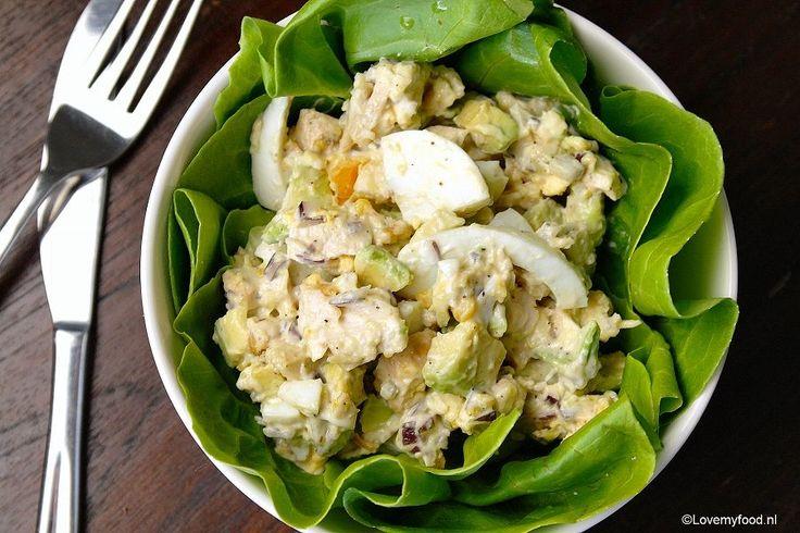 Twee van mijn favoriete combinaties zijn avocado met kip en avocado met ei. Logisch dus, dat kipsalade met avocado en ei helemáál lekker is!