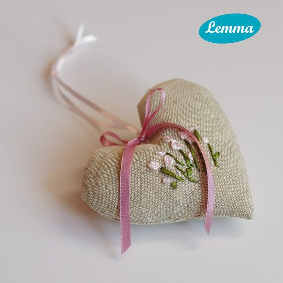 Lavendel heart with pink flowers by LemmaShop on Etsy