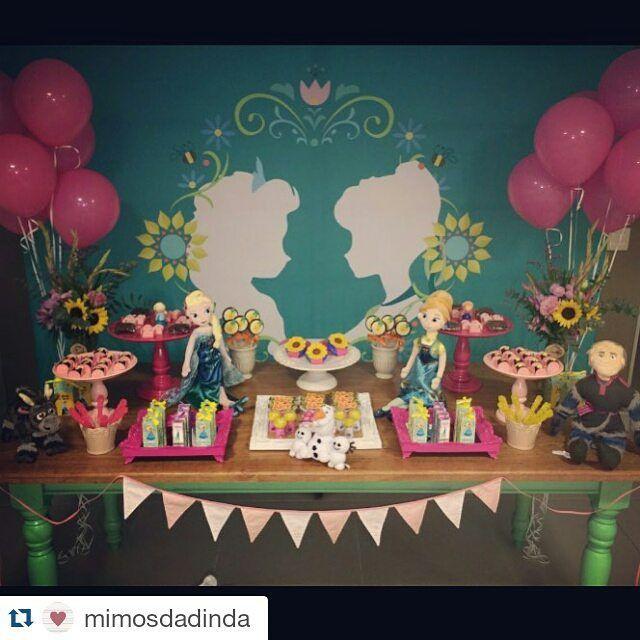 #mulpix Que luxo... Apaixonada! @mimosdadinda arrasando!   #Repost @mimosdadinda ・・・ Mesa completa!!  Frozen Fever By  #mimosdadinda  mobiliário e peças @festeggiare e painel luxo @nuvemsublimacao   #decoracao  #frozen  #frozenfever  #love  #party  #kidsparty  #festa  #festalinda  #festainfantil  #temademenina  #princess  #bday  #cool  #photooftheday  #nice  #bestoftheday  #happy