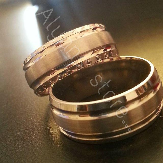 Yanında Tek Taş hediye. Ücretsiz Kargo Ücretsiz isim ve tarih yazılır. Havale ve Eft ile ödeme. ☎Whatsapp ve dm yolu ile ........................ulaşabilirsiniz  #alyans #takı #silver #925ayar #wedding #aşk #love #yuzuk #evlilik #tektas #gelin #damat #nisan #nikah #dugun #moda #konsept #bay #bayan #aksesuar #guvenlialisveris #hediye #evlilikteklifi #söz #alyans_store #instagram #instagramhub