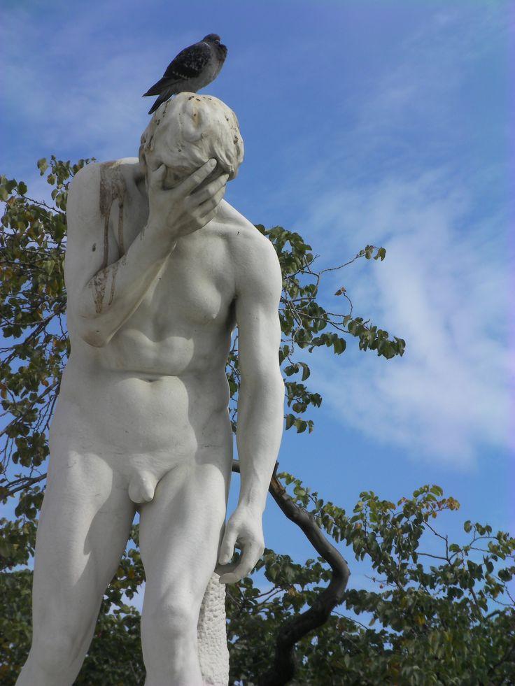 Escultura nos Jardins de Tuilieres