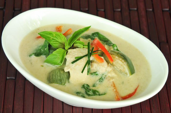 Green Curry with Chicken and Eggplant | Gang Keow Wan Gai | แกงเขียวหวานไก่