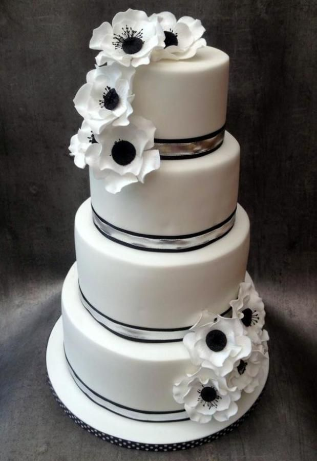 Black & White Anemones Wedding Cake