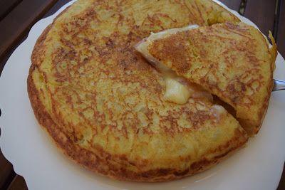 K α τ α π λ η κ τ ι κ ή Ισπανική ο με λ έ τ α !!! Δοκιμάστε την με λίγα υλικά λίγο τυρί και λίγο ζαμπόν χορταστικό γεύμα !! Υλικά μερίδες 4 5
