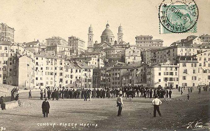 GENOVA - Piazza della Marina