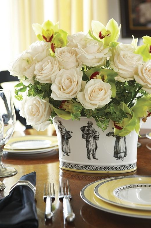 Elegant setting.: Floral Centerpieces, Beautiful Tables, Tables Sets, White Rose, Flowers Arrangements, Black White, Floral Arrangements, Dining Tables, New England Home