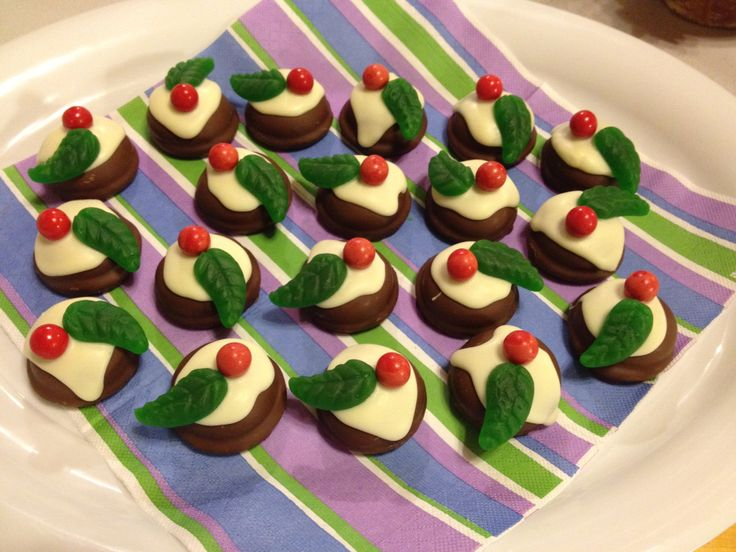 Mellow puff Christmas Puddings