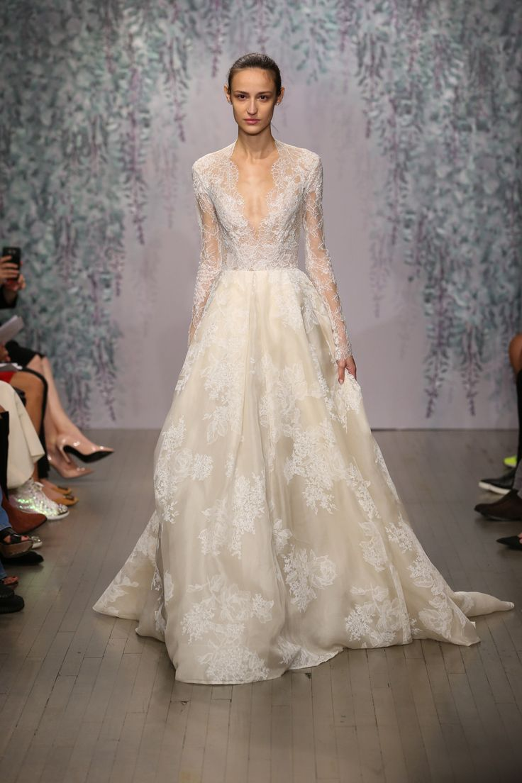 monique lhuillier bridal fall 2016 fashion show gold wedding dressessleeve