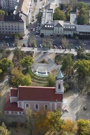 Csepel-Belváros Budapest egyik városrésze a XXI. kerületben, a Csepel-szigeten. Határai az Ady Endre út a II. Rákóczi Ferenc úttól, Táncsics Mihály utca, Szent István út és a II. Rákóczi Ferenc út az Ady Endre útig.