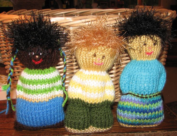 Knitting Patterns Operation Christmas Child : 268 best images about Comfort dolls on Pinterest Loom knit, Ravelry and Kni...