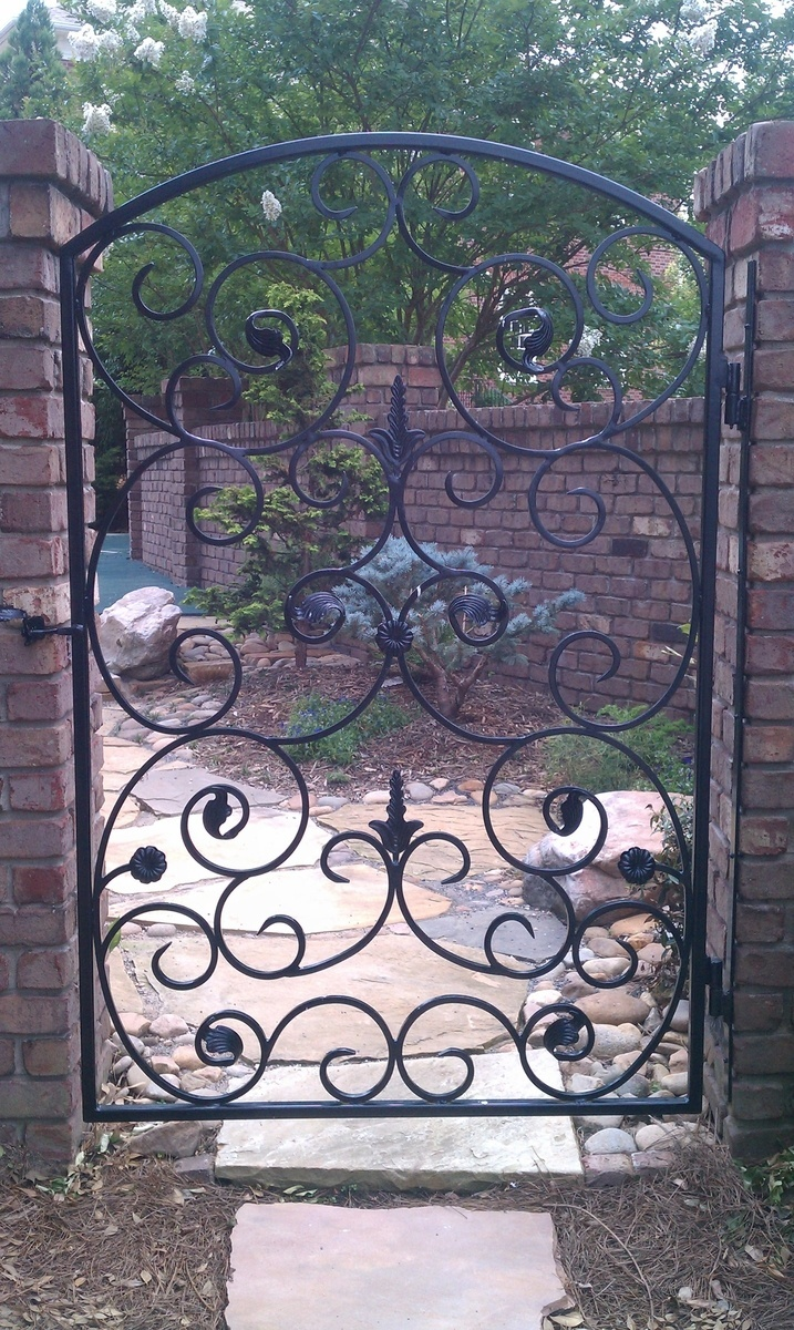 Iron garden gate - Wrought Iron Garden Gate Can He Add On An Arch