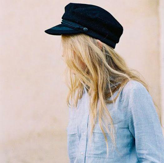 Gorras de maquinista:  ¿cómo llevarlas?