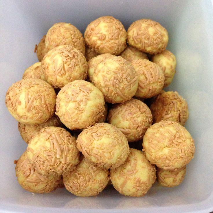 Cemilan malam ini.. Cheese Balls!  #ekitchen #homemade