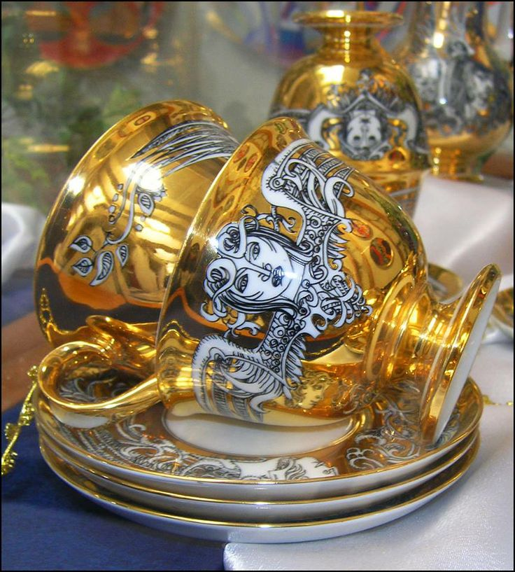 Hollóházi porcelán. Hungary