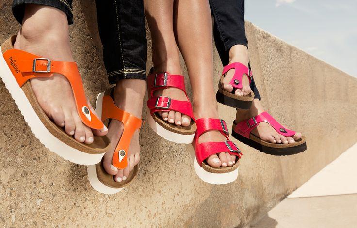 Modische Sandalen mit Tieffußbett