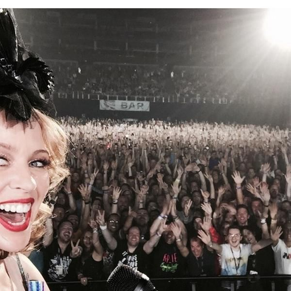 Selfie with the crowd in London!!