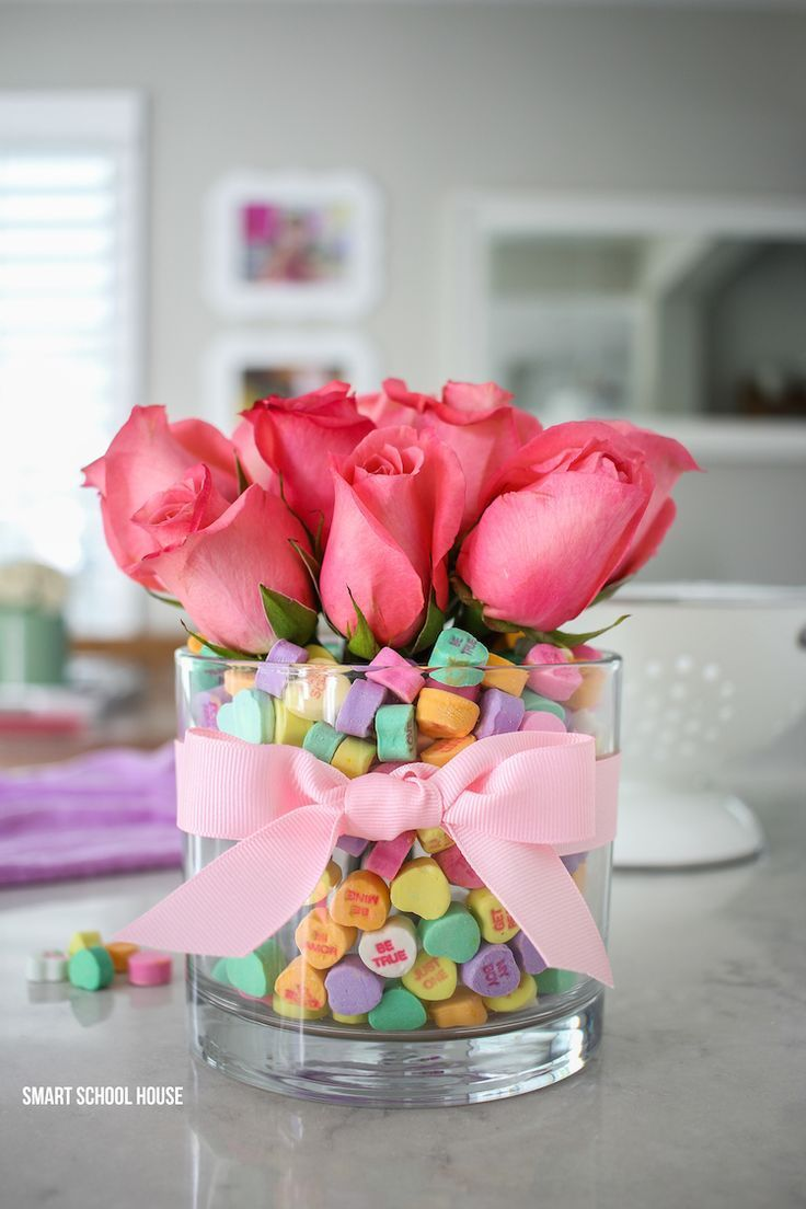 Valentine table decorations pinterest - Candy Heart Valentine Bouquet Diy Valentine S Day Bouquet Using Candy Hearts