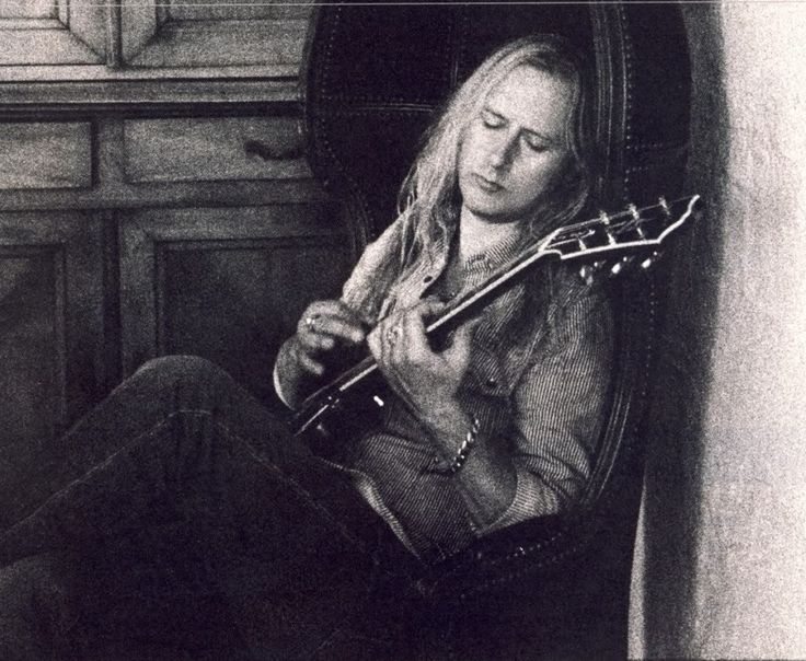212 best Jerry Cantrell/Alice in Chains images on ...