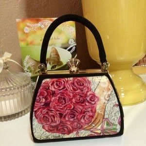 I just discovered this while shopping on Poshmark: Host Pick Debbie Brooks Bouquet Gold Handbag. Check it out! Price: $98 Size: 4x5