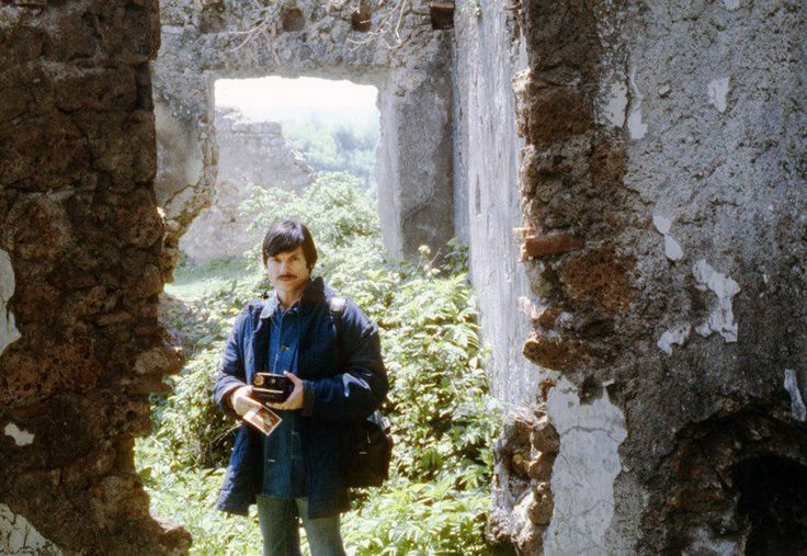 """""""Never try to convey your idea to the audience - it is a thankless and senseless task. Show them life, and they'll find within themselves the means to access and appreciate it."""" — Andrei Tarkovsky"""