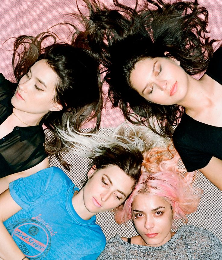"""Warpaint : Sasha Frere-Jones writes that the L.A.-based band """"found its natural sound by letting itself dissolve."""""""