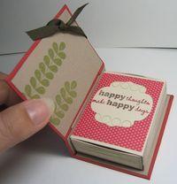 inspiration : utiliser une boite d'allumettes et y glisser un petit cadeau .(bonbon...)