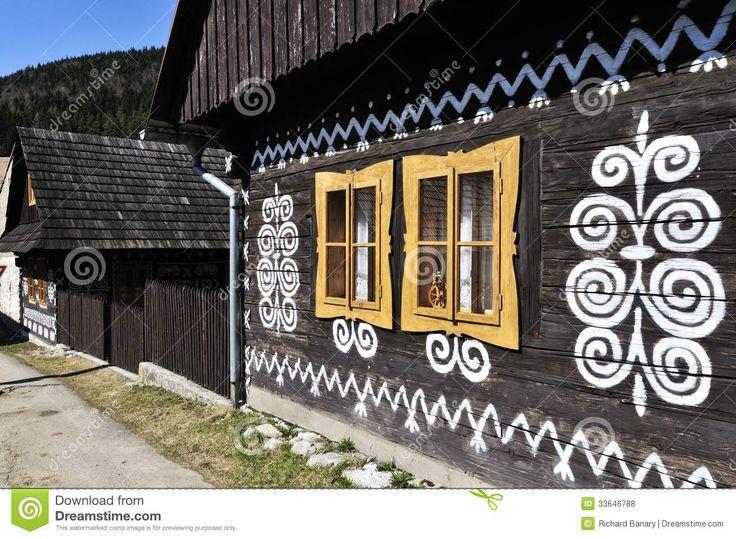 painted-wooden-house-folk-cicmany-village-slovakia-33646788.jpg (JPEG Image, 1300×953 pixels) - Scaled (92%)