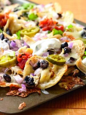 Healthy Chicken and black bean nachos - reminds me of a healthy