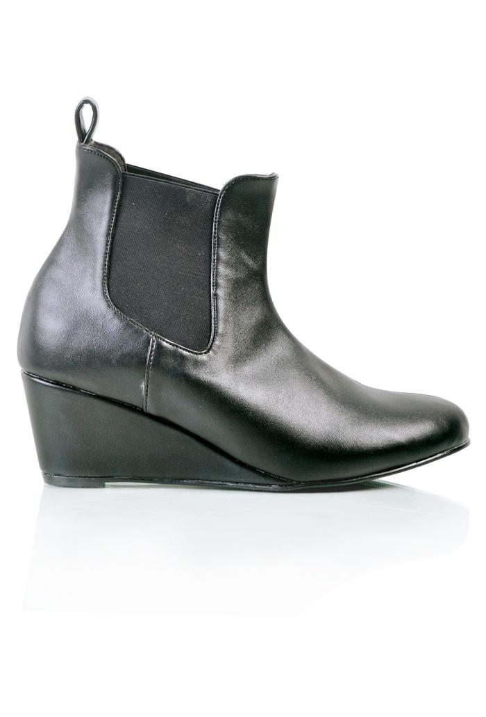 Julia Boots http://juneandjulia.com/productdetail.php?id=126=6