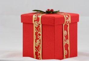 Make your own big gift box.