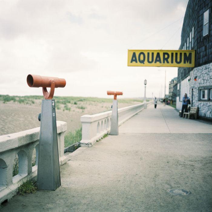 Aquarium on the Beach in Seaside Oregon | photography by http://www.alexandraknightphotography.com