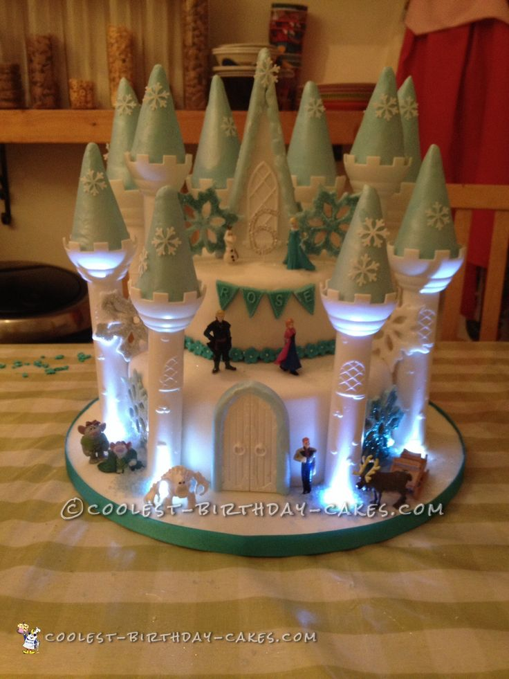 Frozen+Light+Up+Castle+Cake