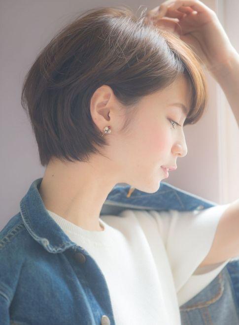横顔キレイな 小顔ショート(髪型ショートヘア)